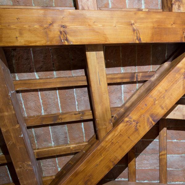 Dettaglio della struttura a vista del tetto
