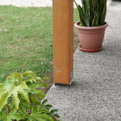 portico residenziale: particolare attacco a terra