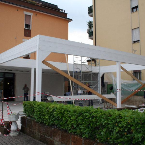 la struttura del porticato in fase di costruzione